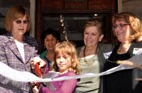 Ribbon cutting photo from the 25th Anniversary Event at Eve J. Alfillé Gallery & Studio