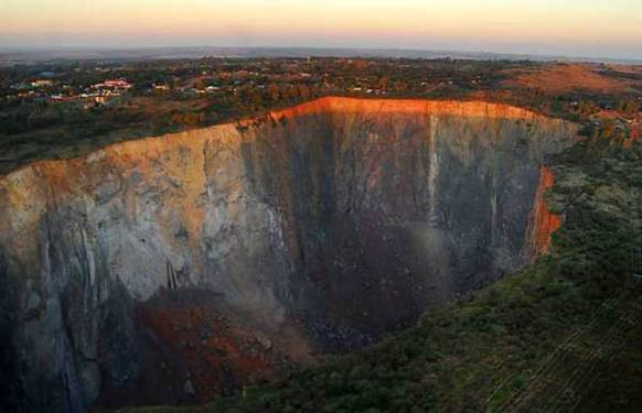 cullinan-diamond-mine.jpg
